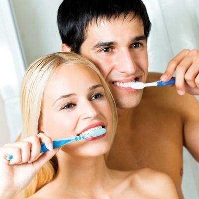 Утренняя чистка зубов может повредить вашей пояснице